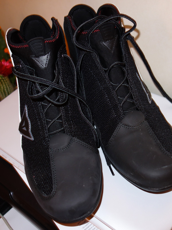 Lacet chaussure moto Dainese