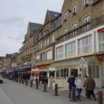 le port de Cancale et ses restaurants et bars vue mer