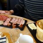 assiette de charcuterie au Breizh Café de Cancale
