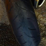 on attaque les pneus du Streetfighter 1098 S : ça penche !