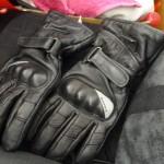 gant de moto de Laura