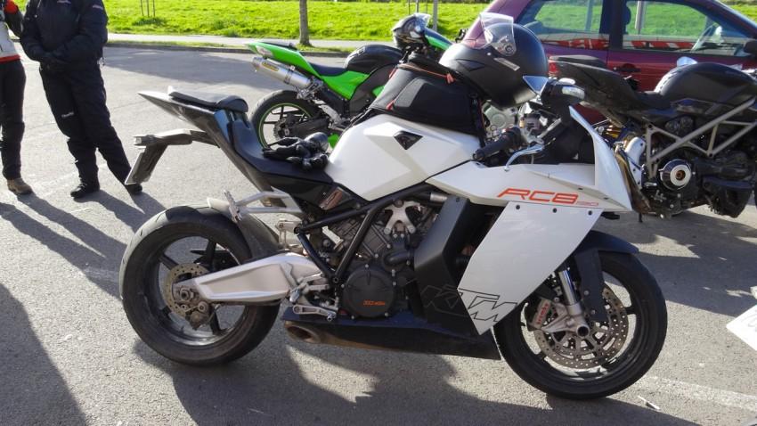 RC8 moto sportive KTM