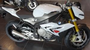 moto S1000R bmw boxer passion Rennes en blanc