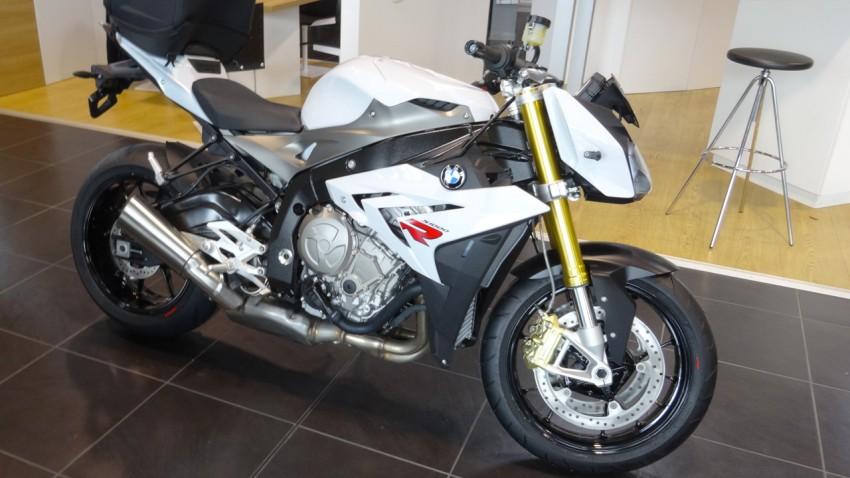 BMW Boxer Passion S1000R blanc