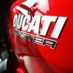 Ducati Monster à Laval