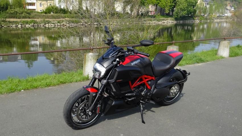 city bike Laval : Le Ducati Store en Mayenne