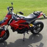 Hypermotard ou supermotard : Ducati Laval