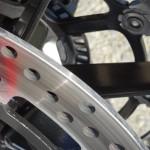 freinage brutal sur le Hypermotard 821 Ducati