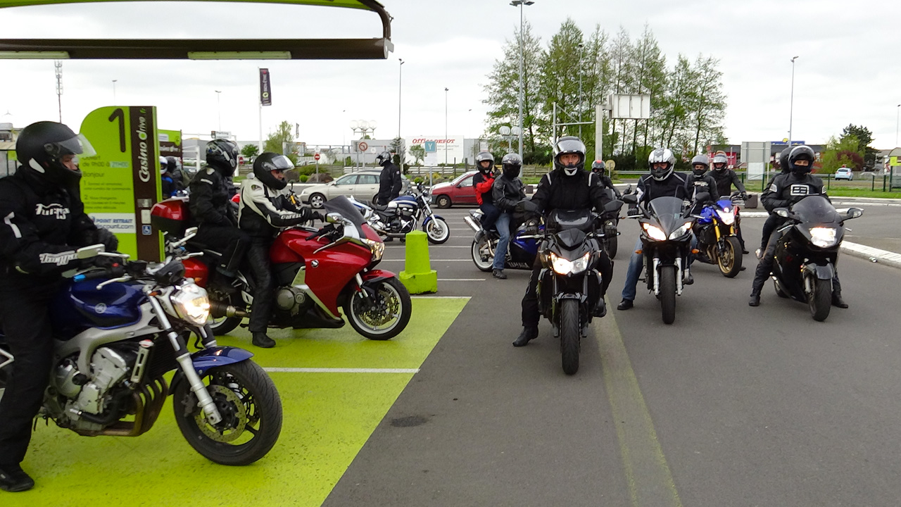 Groupe d'Arnaud : moto en direction de Saint-Malo