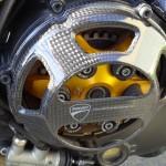 embrayage à sec ouvert sur Ducati