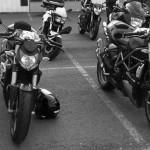La noire et la rouge : moto Ducati