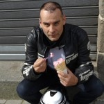 Jean-Claude mange une glace
