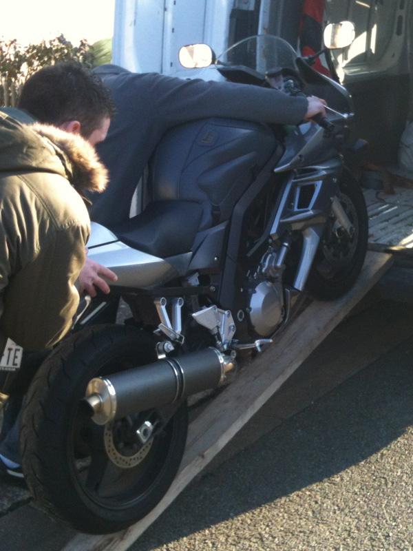 Suzuki SV 1000 S : moto de David Jazt