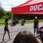 show femme nues à Laval