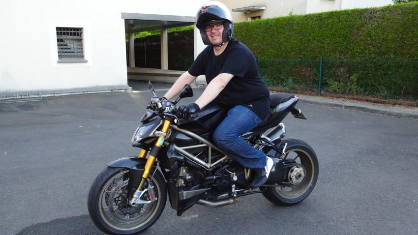 le kéké à moto : tshirt et gant de moto