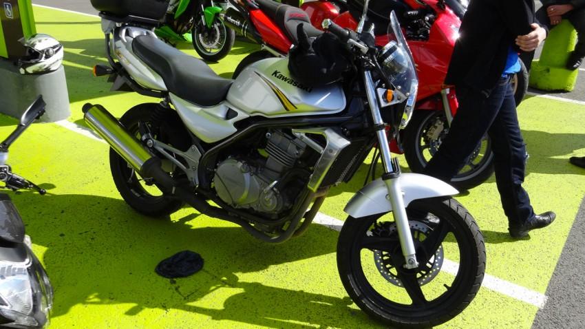Kawasaki ER5 : moto idéale pour commencer
