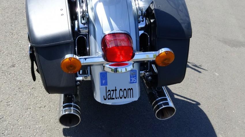 vue arrière sur le Roadking (Harley Davidson)