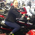 Laura sur sa moto