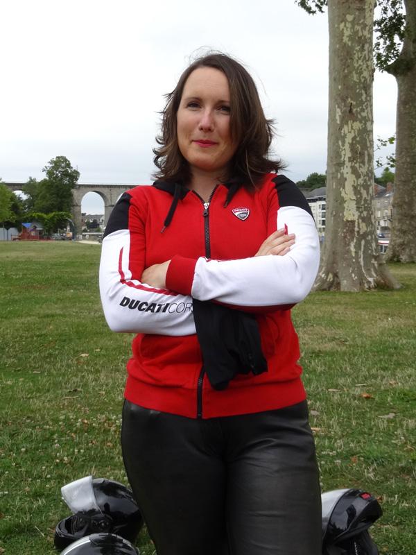 Lucie, motard de Laval en Ducati 696