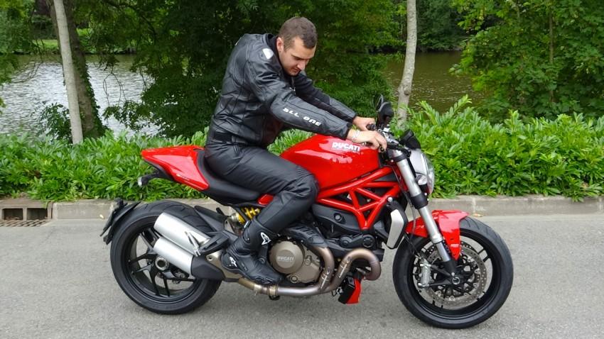 Pierre sur un monster 1200 S Ducati