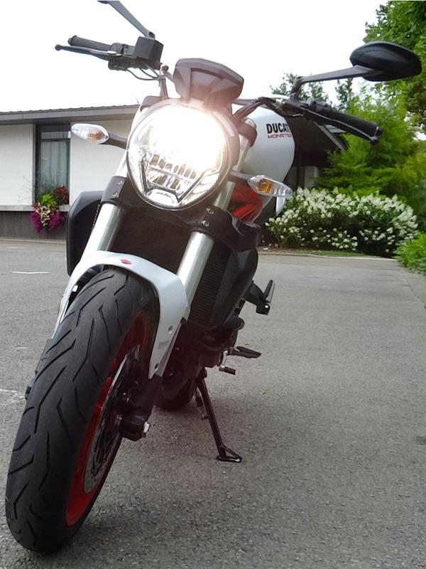 moto Ducati à Laval