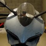 moustique sur le Ducati 899 blanche