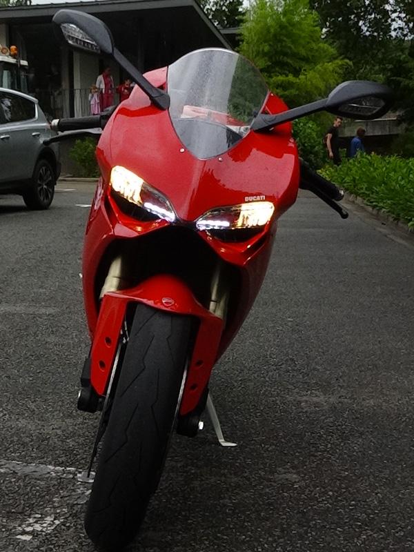 regard félin pour le 1199 Ducati Panigale