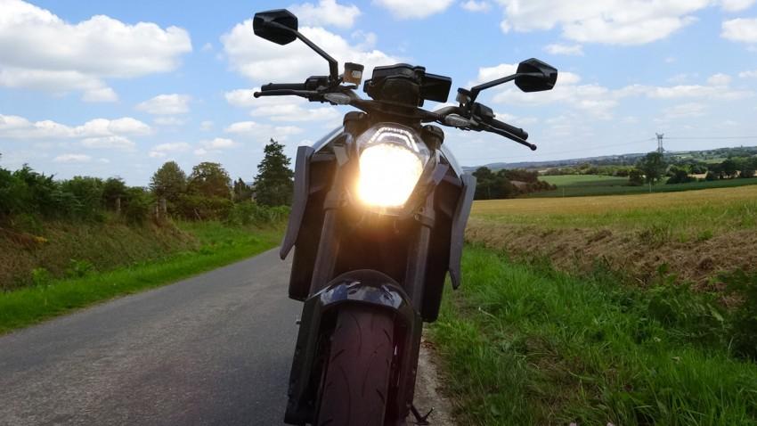 feu à LED sur le KTM 1290 R