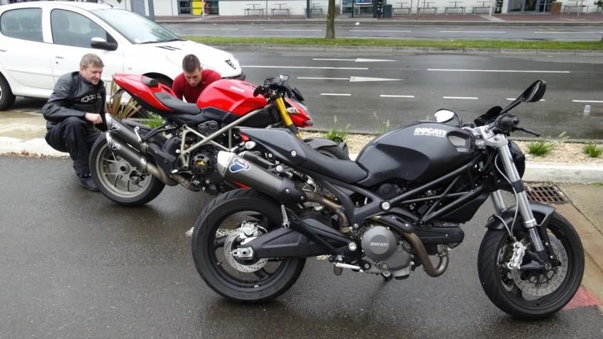 Ducati à Rennes pour une sortie moto sous la pluie Bretonne