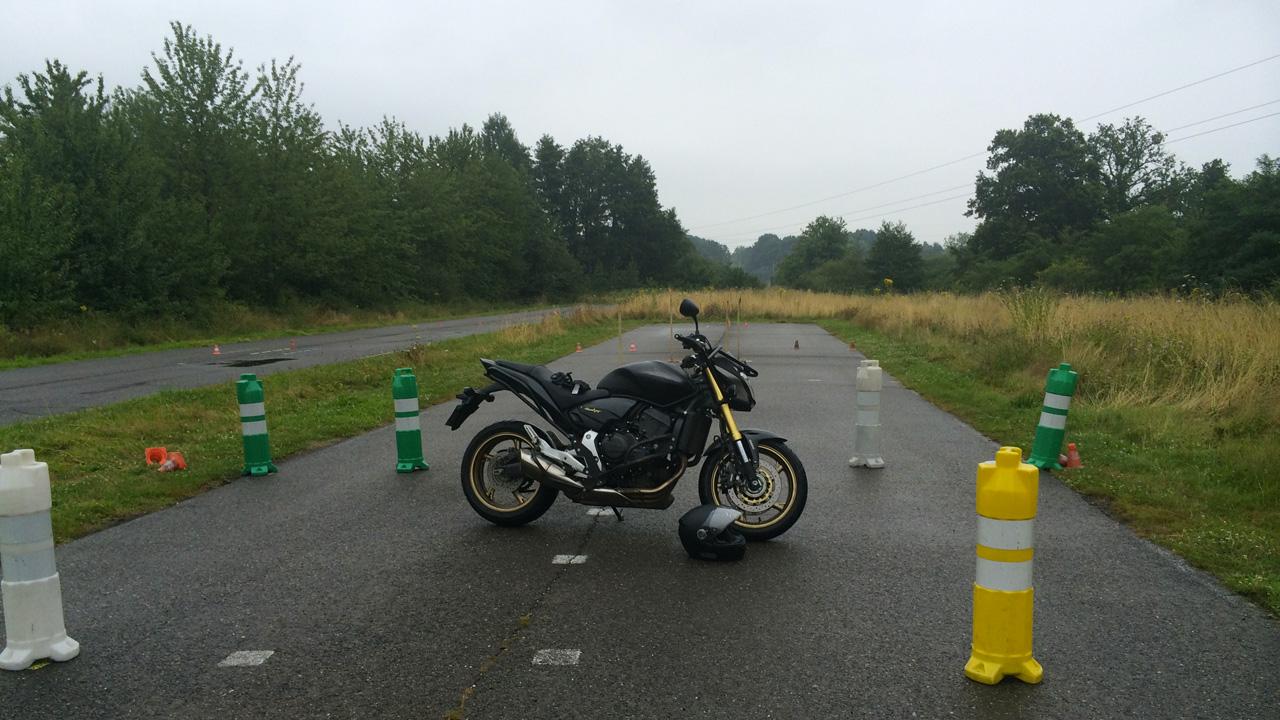 moto Honda ECF Rennes : passer son permis de moto