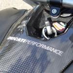 tour de clé ducati performance streetfighter 1098 S en carbone