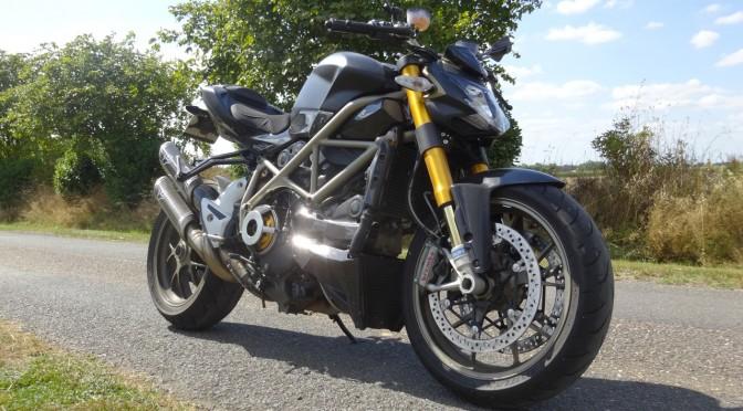Ducati noire Streetfighter 1098 S de David Jazt