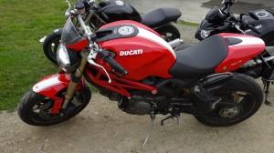 Ducati 1100 Evo Monster à Lanester