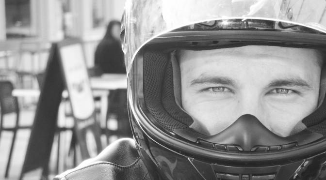 Alexandre, motard Rennais en Triumph Street Triple