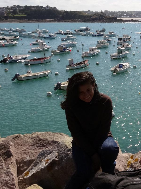 Mélodie, la femme de Romain à Erquy en bord de mer