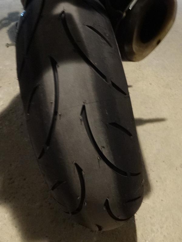 pneu moto dunlop sur Ducati