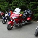 pause café sur dinnan pour les motards Rennais