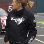 Agnès motarde et membre des Redwings de Rennes (Softball 2)