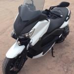 scooter Yamaha X max blanc