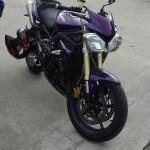 Triumph Street Triple violette