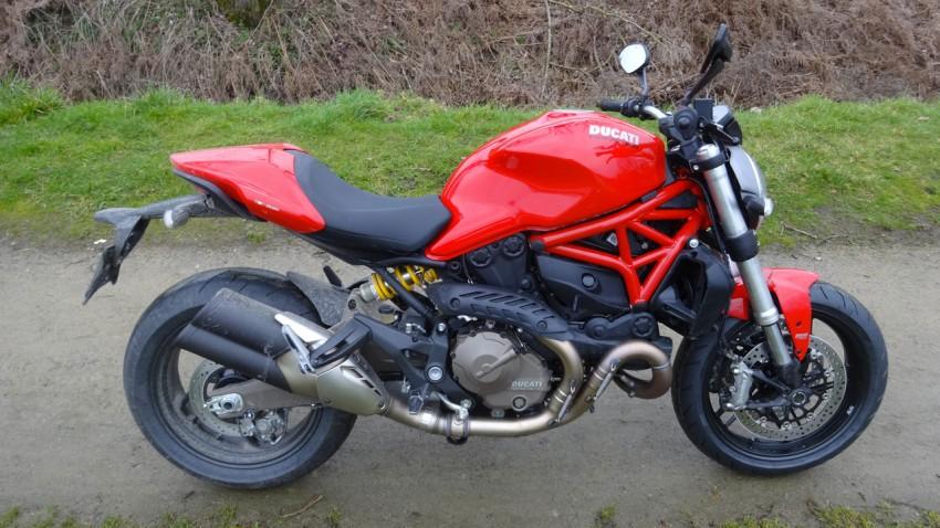 ducati monster 2015 rouge