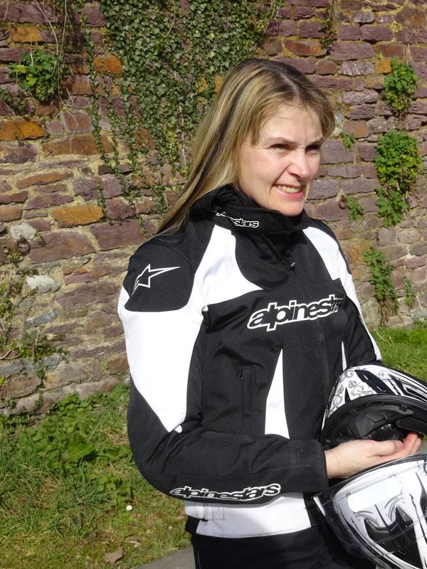 Katia, motarde de la Guerche