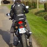 motarde Rennais sur une moto noire