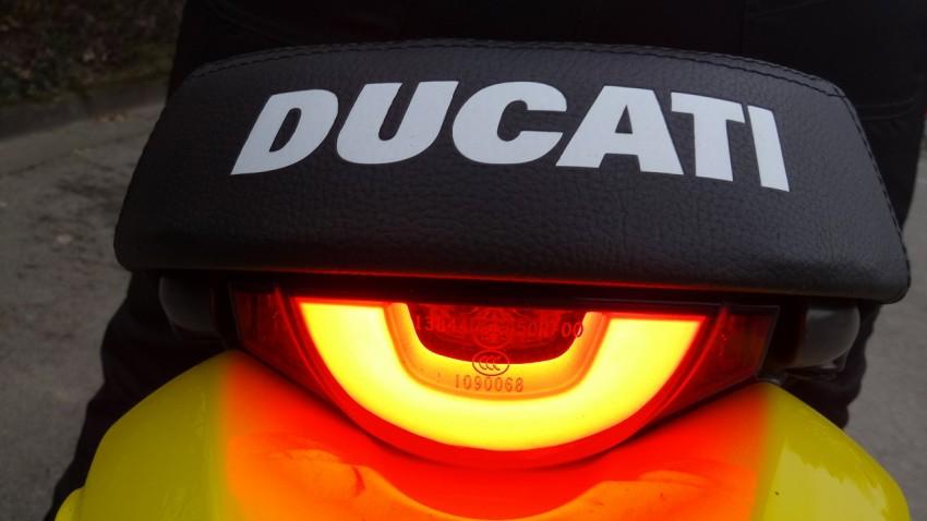 feu arrière du Scrambler Ducati : magnifique
