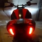 LED à l'arrière du Diavel