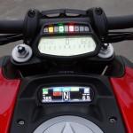 tableau de bord allumé du Diavel Ducati