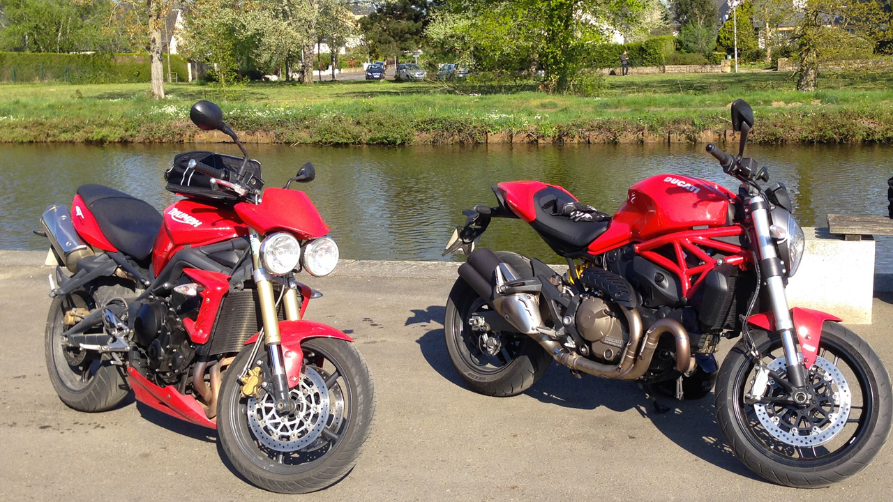 comparatif Street Triple et monster 821