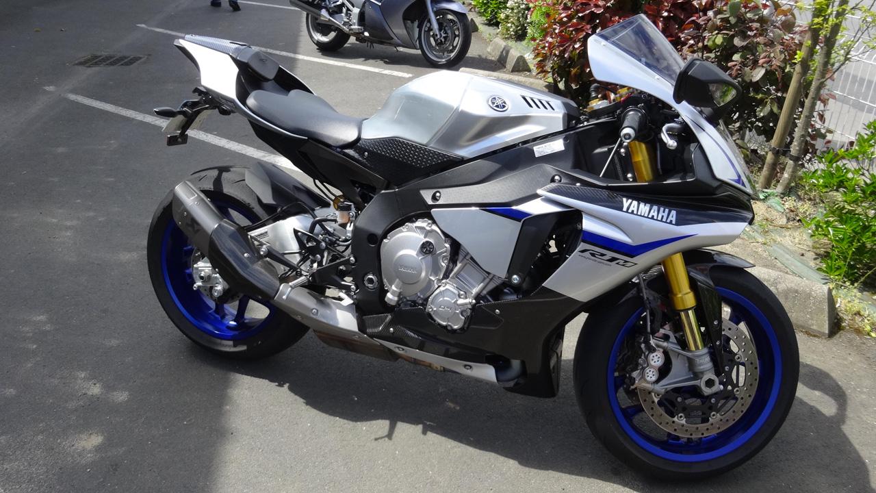 Essai moto Yamaha R1M chez Planete Yam Rennes