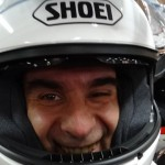 motard heureux