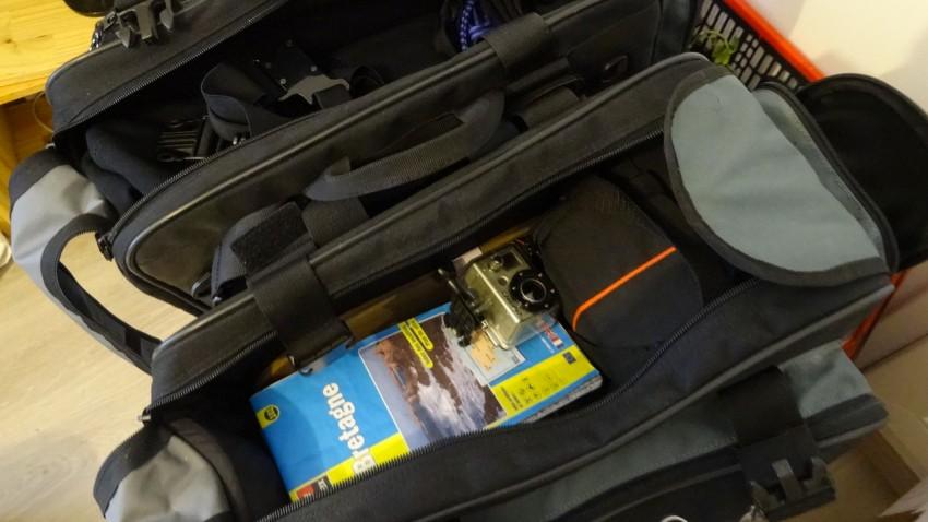 carte routière dans les valises